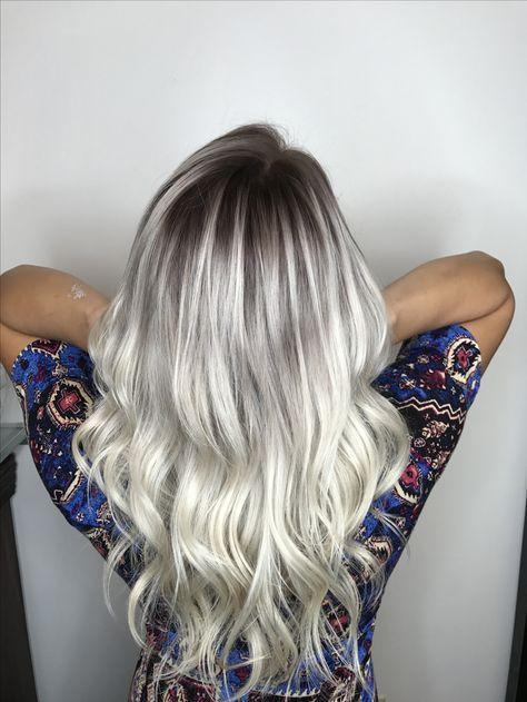 Platinum Blonde With Dark Shadow Root Dark Roots Blonde Hair