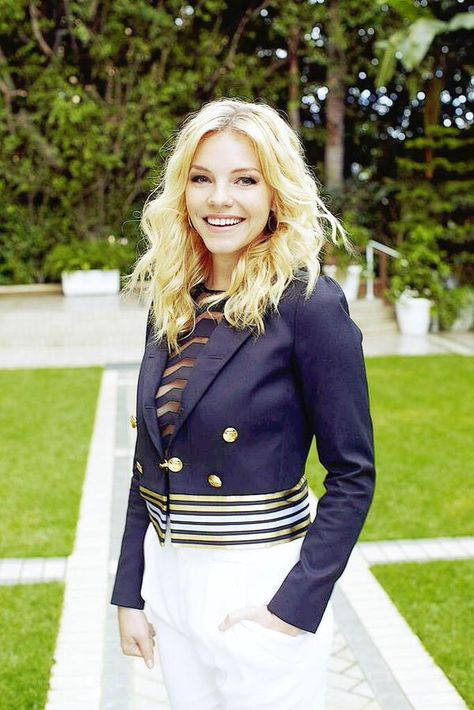 Eloise Mumford (December 24, 1986) American actress, o.a. known from the movie '50 shades of grey'.