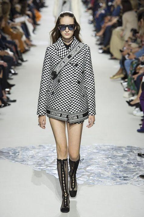 Christian Dior Spring 2018 Ready-to-Wear Fashion Show Christian Dior Spring 2018 Ready-to-Wear Collection Photos – Vogue