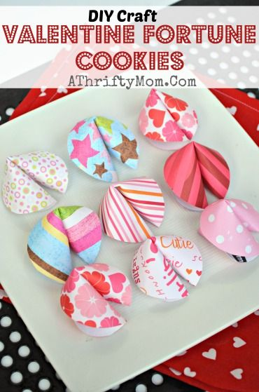 Valentine fortune cookies, QUICK AND EASY craft idea.  I have got to make these with the kids!!!