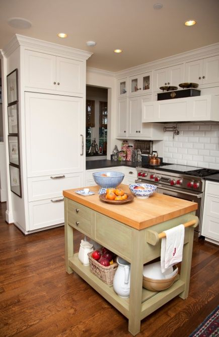 26 Amazing Small Kitchen Island That Works Wonders Small Space Kitchen Kitchen Island Furniture Small Kitchen Island