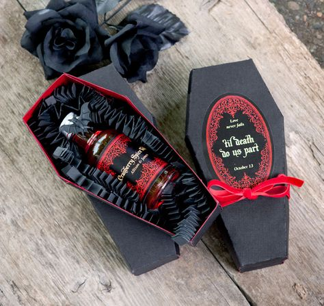 New wedding ideas halloween dark ideas wedding favors New wedding ideas halloween dark ideas Halloween Wedding Favors, Wedding Party Favors, Wedding Gifts, Diy Party, Party Gifts, Wedding Veils, Ideas Party, Wedding Dresses, Wedding Bands
