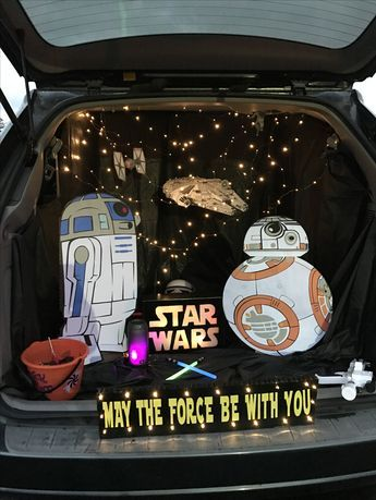 Star Wars Halloween Trunk or Treat. Used my silhouette cameo to cut out BB - Star Wars Family - Ideas of Star Wars Family - Star Wars Halloween Trunk or Treat. Used my silhouette cameo to cut out Millennium Falcon and signs Star Wars Halloween, Holidays Halloween, Halloween Diy, Bb8 Star Wars, Halloween Car Decorations, Halloween Themes, Hallowen Costume, Family Halloween Costumes, Trunk Or Treat