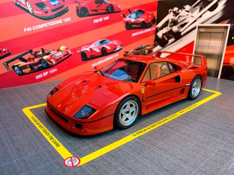 Ferrari F40 F40red Red Bbr Kyosho Models 118model Modelisme Car Supercars Supercar Model Artcar Car Design Ita Auto Supercar Ferrari