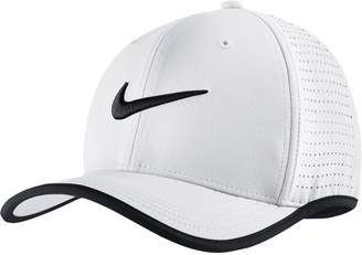 3800e9f2a Nike Train Vapor Classic 99 Hat #hat #womens | Hats in 2019 | White ...
