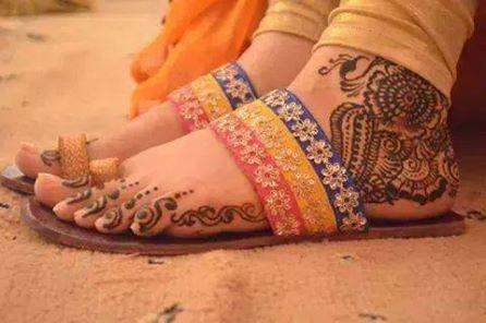 Mehndi Henna Lemon : Just use glycerin and lemon to keep soften your feets henna feet
