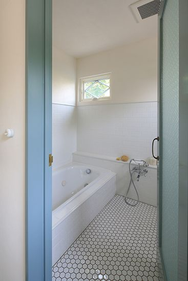 File 浴室 レトロ タイル インテリア 浴室リフォーム 小さなバス