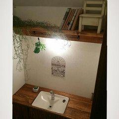 トイレまるごとリメイク 木製できっちり作った収納庫付きタンクレス風トイレはいかが 2020 トイレ収納 Diy 収納 トイレ