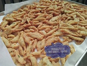 Resep Kue Bawang Khas Padang Empuk Banget Renyah Simple Jadul Oleh Chika Haznifah Resep Kue Kering Mentega Resep Resep Kue