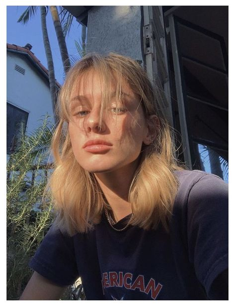 Blonde Hair With Bangs, Short Hair With Bangs, Hairstyles With Bangs, Pretty Hairstyles, Short Blonde, Haircuts, Blond Shoulder Length Hair, Bangs Medium Hair, Blonde Hair Girl