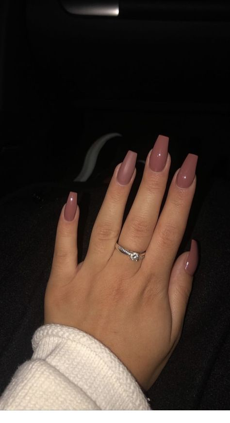 Chic Summer Matte Acrylic Nails Designs To Copy Every season changes will appear the new manicure idea. People can choose the shape of nails according to their favorite