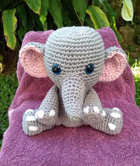 Esse elefantinho fofo foi para casa ontem, simples e lindinho ... | 559x473