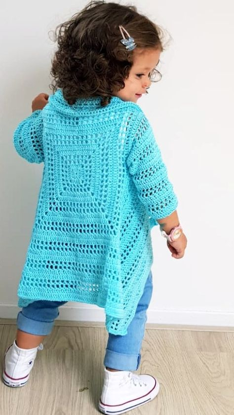 Blue Sky Cardi. Free pattern with video tutorial, chart and diagram. Sizes from 2 to 10 years old.