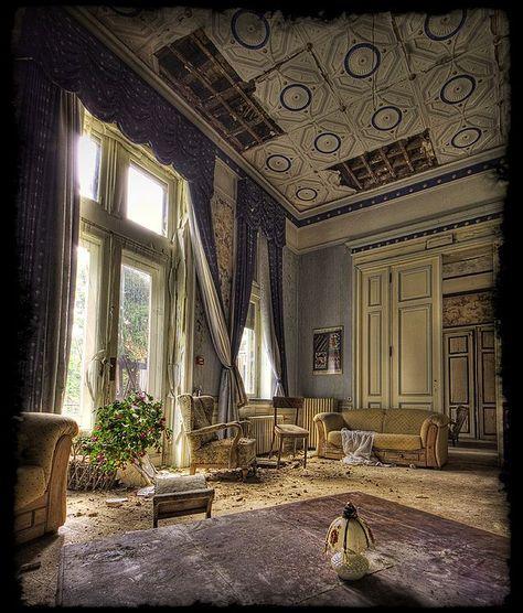 El Rincón Vintage de Karmela: El maravilloso y fantasmal encanto de las mansiones abandonadas.