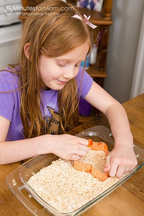 Make and decorate Rice Krispies Treats with your kids!