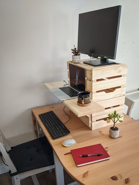Desk Redo, Diy Desk, Ikea Standing Desk, Bedroom Workspace, Wood Office Desk, Desk Shelves, A Shelf, Plumbing Pipe Furniture, Ikea Inspiration