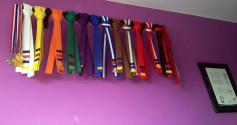 Love this display for TaeKwonDo belts, might do this with my kickboxing ones =)