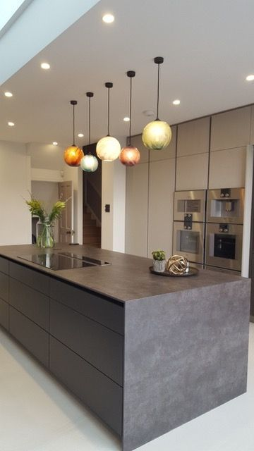 To Bring The Food Preparation Environment In The Kitchen To Be Comfy The Most Important Poin Modern Kitchen Interiors Modern Kitchen Lighting Kitchen Interior