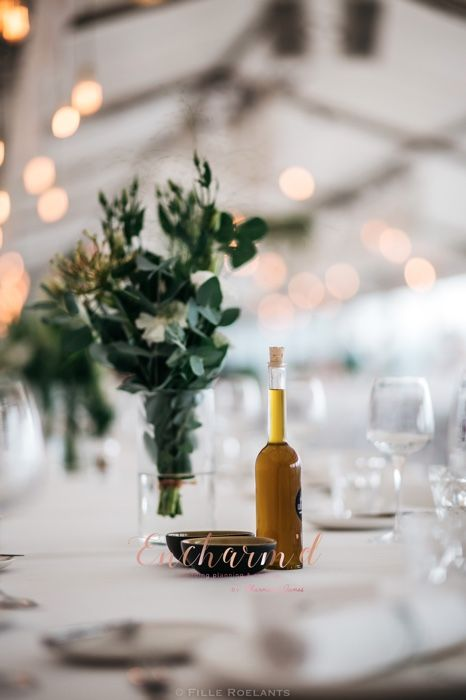 Greenery Inspiration Florals For Your Wedding Captured By Fille Roelants Styled By Encharm D