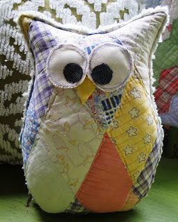 Glorious All Time Favorite Sewing Projects Ideas. All Time Favorite Top Sewing Projects Ideas. Owl Quilts, Baby Quilts, Antique Quilts, Vintage Quilts, Rag Quilt, Quilt Blocks, Bird Quilt, Quilting Projects, Sewing Projects