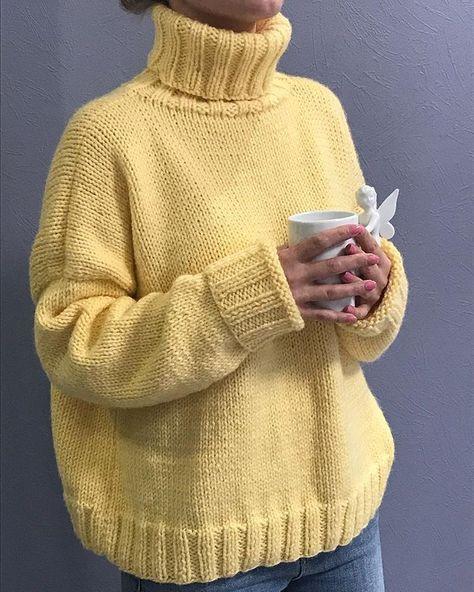 Люблю вязать 💕 в Instagram: «Как можно не любить зиму, когда у тебя такой свитер 💛 Утепляемся ❄️ #вяжутнетолькобабушки #люблювязать #вязаниеспицами #вязаниеназаказ…»