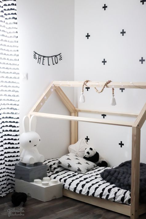 Lit Cabane Montessori Gribouille Ta Chambre In 2020 Toddler Bed Room Kids Room