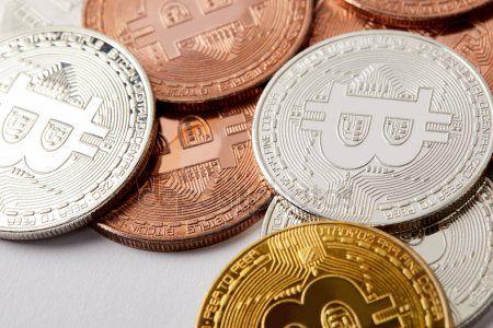moeda de troca de criptomoeda iq option em teresópolis rj por que usar um corretor de bitcoin