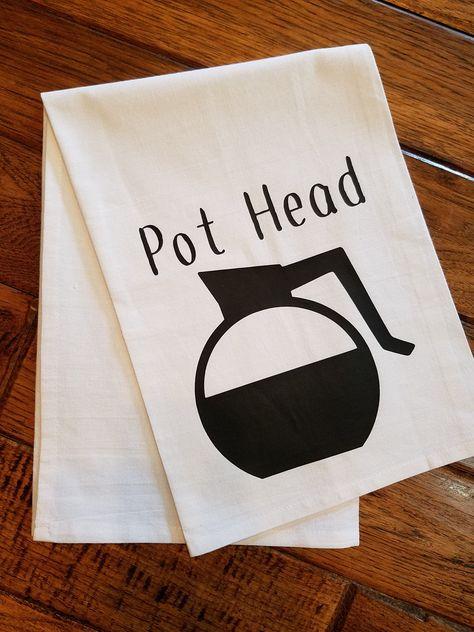 Dish Towels, Hand Towels, Tea Towels, Dish Towel Crafts, Vinyl Crafts, Vinyl Projects, Kitchen Humor, Funny Kitchen, Pots