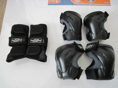Rollerblade Brand Size S Small Elbow Pads Knee Pads And Wrist Guards Rollerblade Roller Roller Skating Ebay