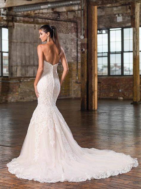 Justin Alexander Signature Wedding Dresses - Fall and Winter 2016 Bridal Collection   Junebug Weddings