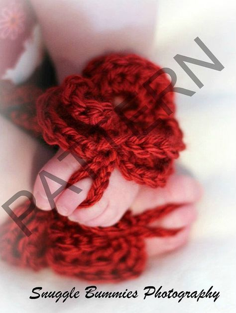 Free Crochet Baby Barefoot Sandals | Rose Baby Barefoot