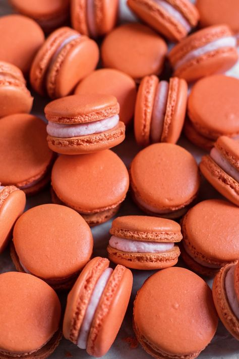 These blood orange macarons bursting with flavor! They're infused with orange extract and filled with a decadent blood orange buttercream. Rainbow Aesthetic, Orange Aesthetic, Aesthetic Colors, Aesthetic Collage, Aesthetic Pictures, Aesthetic Drawing, Orange Pastel, Orange Color, Orange Twist