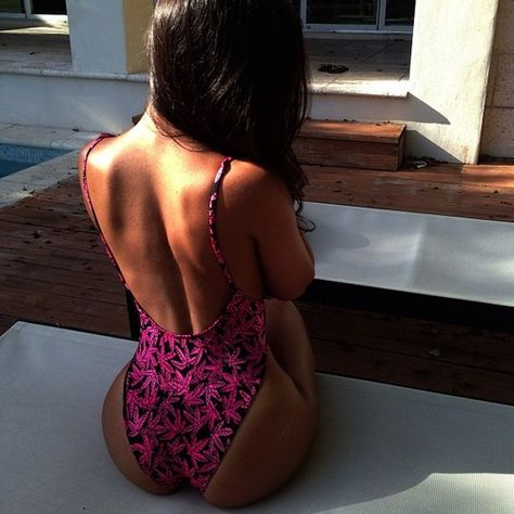 cute swimsuit, sexy back, black and pink, curves