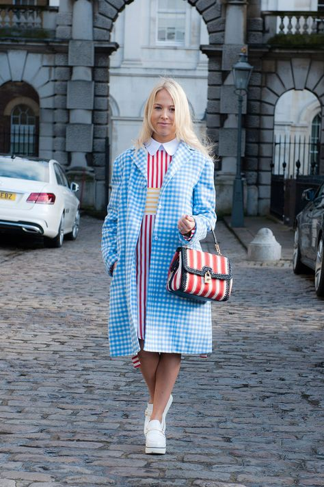 adorbs in gingham. London.