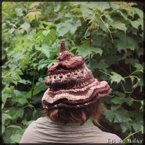 Bonnet chapeau pointu de sorcière beige et brun - mix de laines - freeform  crocheté à la main e913c2a2e35