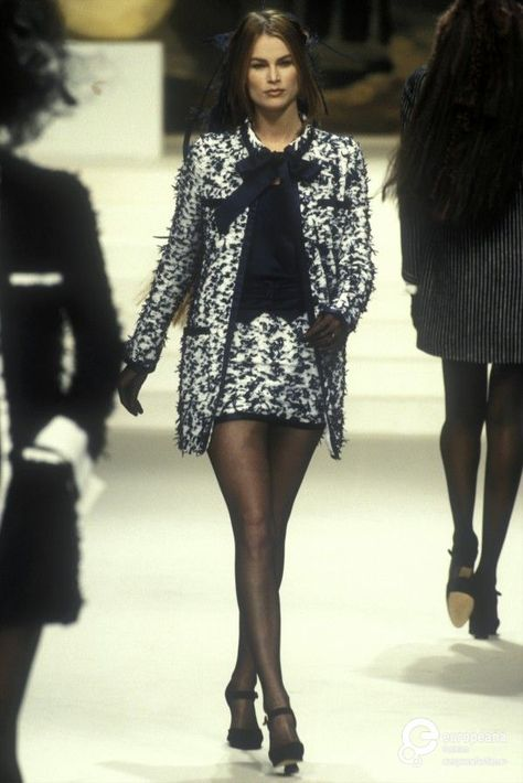Meghan Douglas Show Chanel Haute Couture - Spring 1994
