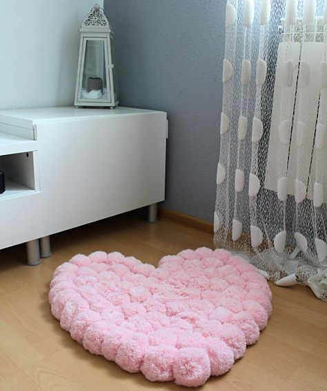 Pom Pom Rug, Heart Rug, Baby Rug, Pink Nursery Rug, Kids Rugs, Soft Rug, Pink Area Rug, Girl Room Decorations, Wall Hanging Rug, Pompom Rug