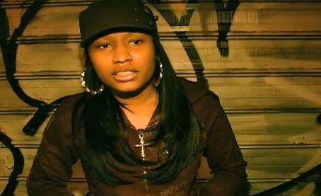 Video) Nicki Minaj Meets\/Freestyles For Stack Bundles (2005\/2006 - hauser weltberuhmter popstars
