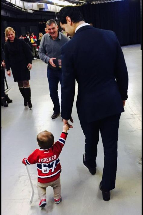 Max Pacioretty and his son Lorenzo Hockey Girlfriend, Hockey Wife, Hockey Girls, Hockey Baby, Hot Hockey Players, Nhl Players, Ice Hockey, Montreal Canadiens, Max Pacioretty