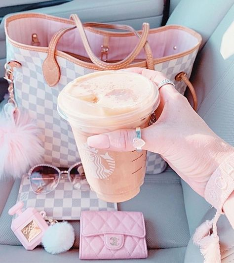 Baby Pink Aesthetic, Princess Aesthetic, Retro Aesthetic, Teen Girl Shoes, Pink Wallpaper Iphone, Just Girly Things, Pink Bling, Everything Pink, Girl Swag