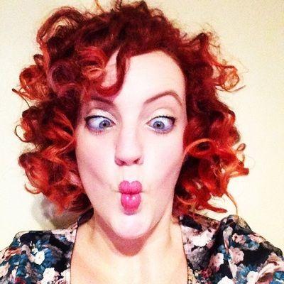 redhead dating UK come prendere le cose lentamente mentre incontri