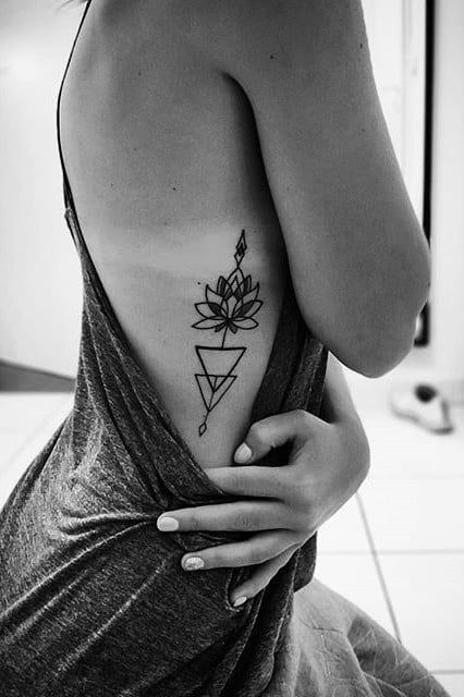40 Sexy Side Tattoos That Will Have You Running to the Tattoo Shop