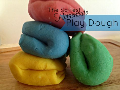 I need a good play dough recipe and the idea of storing it in plastic baby food containers is brilliant!