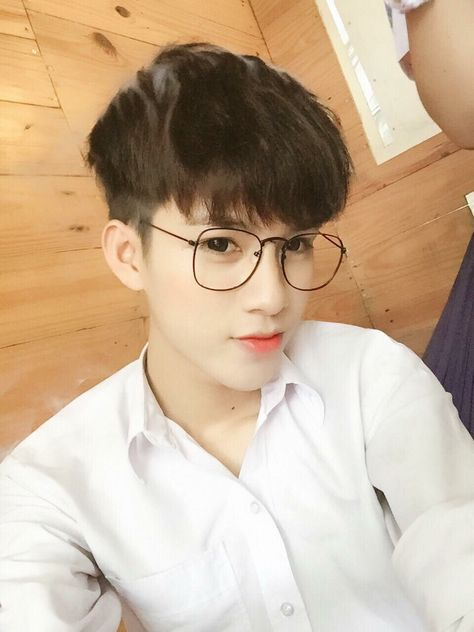 110 Ide Ulzzang Boys Glasses Ulzzang Gaya Jalanan Pria Gaya Korea Pria There are already 1 enthralling, inspiring and awesome images tagged with korean boy aesthetic. 110 ide ulzzang boys glasses ulzzang
