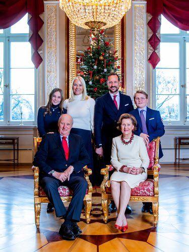 Scandinavian Royals On Konigliche Familie Norwegisches Konigshaus Posen Fur Familienportraits