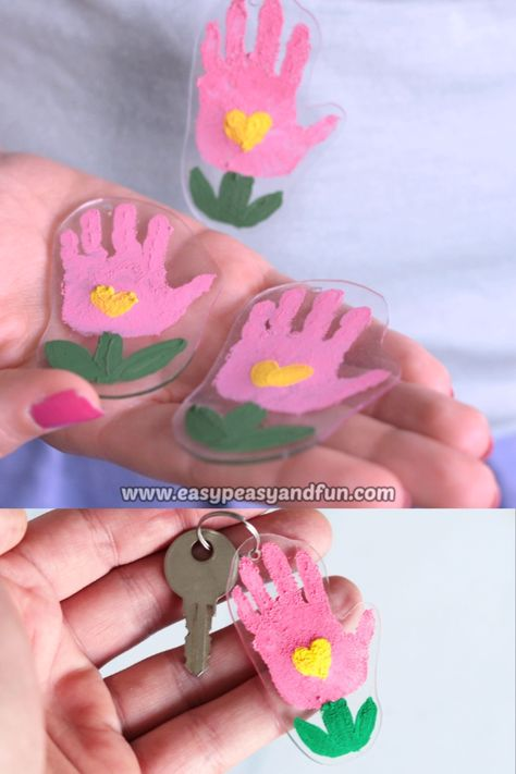 Are you ready the most adorable Mother's day craft kids can make. Grab yourself a sheet (or few) of Shrinky Dinks paper and make Shrinky Dinks flower handprint keychain.