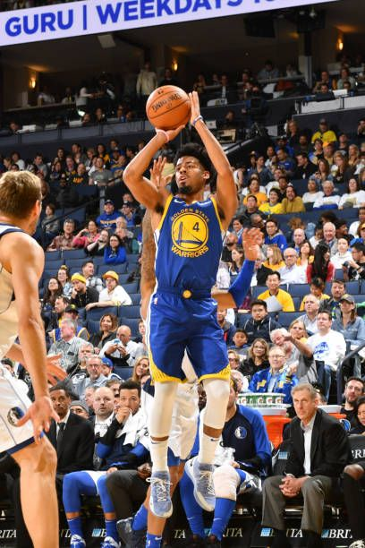 Quinn Cook Of The Golden State Warriors Shoots The Ball Against The Golden State Warriors Golden State Warriors Pictures Dallas Mavericks