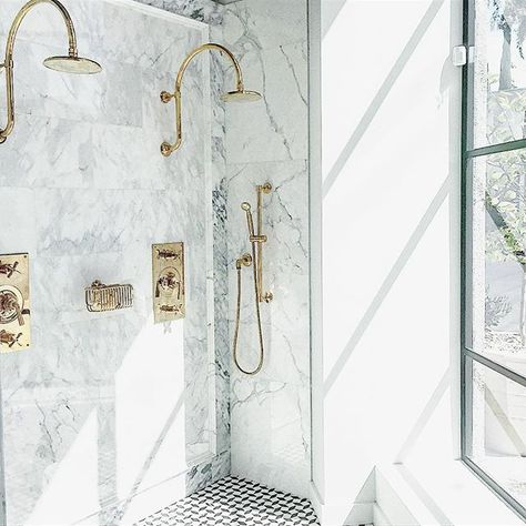 Now This Is A Shower I Could Wake Up To Spotted On My Recent Visit To The Wtrwrks La Showr Round Mirror Bathroom Bathroom Mirror Amazing Bathrooms
