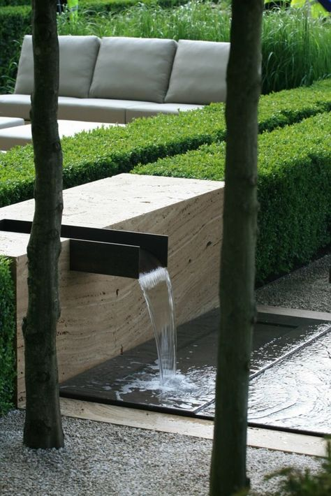 Wasserfall Im Garten Minimlaistisch Gartengestatung Ideen