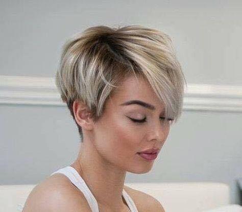 Wow Das Ist So Schon Diese Asymmetrische Frisuren Sind Trendy Und Stylish Kurzhaarschnitte Kurzhaarschnitt Haarschnitt Kurz